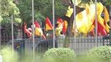 CĐV Nam Định 'quậy tung' khiến cầu thủ TP.HCM giật mình