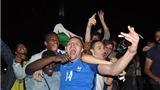 Cổ động viên Pháp vỡ òa trong chiến thắng