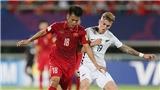 Chấn thương kinh hoàng: Cầu thủ Viettel bị gãy gập chân!