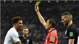 CĐV Anh kêu gọi FIFA điều tra trọng tài Cuneyt Cakir vì 'thiên vị Croatia'
