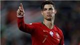 Lập hat-trick vào lưới Latvia, Ronaldo ngầm gửi thông điệp cho HLV Sarri?