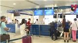 VIDEO: Người già trên 65 tuổi và trẻ dưới 12 tuổi được check-in riêng tại sân bay