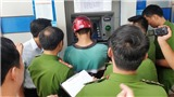 Nghệ An: Phát hiện nhóm người Trung Quốc làm giả thẻ ATM để chiếm đoạt tài sản