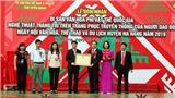 Tuyên Quang: Đón nhận Bằng công nhận nghệ thuật trang trí trên trang phục truyền thống của người Dao đỏ là Di sản văn hóa phi vật thể quốc gia