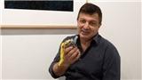 VIDEO: Quả chuối gần 3 tỷ đồng bị ăn ngay tại triển lãm
