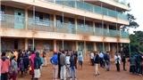 Bị giáo viên phạt, học sinh giẫm đạp chạy khỏi lớp làm ít nhất 13 em thiệt mạng