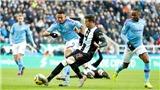 Cuộc đua vô địch ngoại hạng Anh: Man City đã giơ cờ trắng trước Liverpool?
