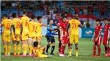 Quế Ngọc Hải trong ngày thầy Park dự khán trận Viettel vs Thanh Hóa