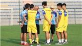U22 Việt Nam và U22 UAE 'làm nóng' trước trận giao hữu