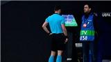 VAR gây náo loạn ở 2 trận đấu Atletico vs Juventus và Schalke vs Man City