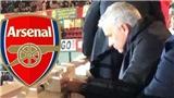 Fan Arsenal phấn khích, muốn Mourinho thay Emery khi 'Người đặc biệt' tới sân Emirates