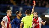 Chelsea 4-4 Ajax: 2 trung vệ Ajax bị đuổi trong 60 giây, Chelsea gỡ hòa ngoạn mục