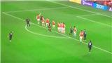 Fan MU kêu trời sau khi Fred đá phạt 'bắn chim' ở trận gặp Arsenal