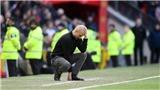 Pep Guardiola chê MU dùng bóng dài ở trận thắng Man City