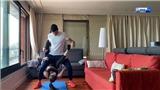 Sao bóng đá Tây Ban Nha dùng bạn gái để tập tạ