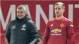Solskjaer nói gì khi Van de Beek được khuyên rời MU sớm?