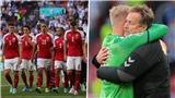 HLV Đan Mạch khóc nức nở trong phòng họp báo vì Eriksen