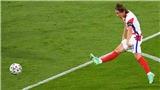 Luka Modric gây bão với cú trivela làm tung lưới Scotland