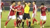 Bóng đá Việt Nam hôm nay: Kỷ luật tổ trọng tài bắt trận TPHCM thua Hà Nội