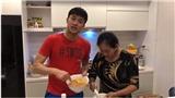 VIDEO: Quốc Trường vào bếp cùng mẹ