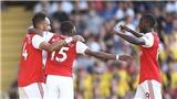Watford 2-2 Arsenal: Công làm, thủ phá, Arsenal không thắng nổi đội bét bảng (KT)