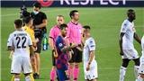 Messi từ chối bắt tay trọng tài vì không được công nhận bàn thắng