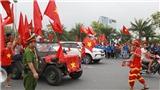 Cổ động viên hồi hộp chào đón U23 Việt Nam về nước