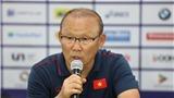 Cảm phục khi HLV Park Hang Seo cảm ơn CĐV và các học trò sau chiến thắng Indonesia