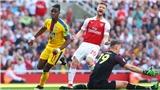 Mustafi mắc lỗi trong cả 3 bàn thua của Arsenal, bị coi là hậu vệ vô dụng nhất lịch sử