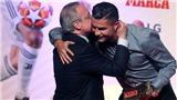 Chủ tịch Perez tặng danh hiệu, ôm thân thiết Ronaldo, fan đòi Real vung tiền mua lại