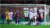Barcelona: Messi sút phạt đẳng cấp thành bàn, fan chế giễu Ronaldo