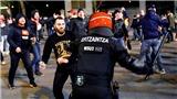 Một cảnh sát thiệt mạng sau cuộc 'hỗn chiến' giữa CĐV Bilbao và Spartak Moscow ở Europa League