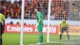 VIDEO: Xem Văn Lâm chơi đòn tâm lý khiến cầu thủ Jordan sút hỏng 11m