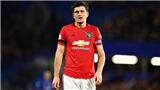 Chelsea 0-2 MU: Maguire xin lỗi Batshuayi sau pha đạp người lộ liễu
