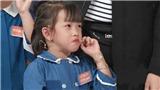 Xem 'Nhanh như chớp nhí' tập 24: Trấn Thành 'câm nín' trước thói quen đọc sách kỳ lạ của cô bé 6 tuổi