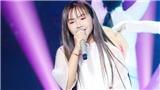 Xem 'Giọng hát Việt nhí' tập 13:Khánh An hát tiếp về mẹ,Chấn Quốclàm mới nhạc Phan Mạnh Quỳnh