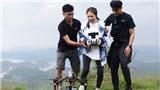 'Đại chiến săn ảnh':Võ Hoàng Yến, Hòa Minzy dở khóc dở cười học lái flycam