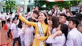 VIDEO: Tân hoa hậu Lương Thùy Linh gây 'sửng sốt' với nhan sắc ngoài đời khi về thăm trường cũ