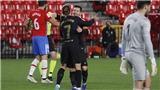 Granada 0-4 Barcelona: Messi và Griezmann cùng lập cú đúp