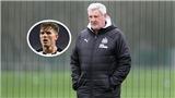HLV ngoại hạng Anh ẩu đả với học trò trên sân tập vì bị gọi là 'kẻ hèn nhát'