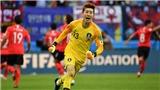 VIDEO: Thủ môn của Hàn Quốc ở World Cup 2018 từng bị Văn Toàn 'xâu kim'