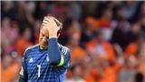 Chơi tệ ở cả Bayern lẫn tuyển Đức, điều gì đang xảy ra với Manuel Neuer?