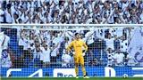 Real Madrid 2-2 Club Brugge: Courtois rời sân vì đau bụng sau 2 bàn thua sớm