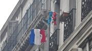 CHÙM ẢNH: Tình yêu đội tuyển và nước Pháp trên ban công