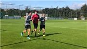 VIDEO bóng đá: Xem buổi tập luyện đầu tiên của Văn Hậu tại SC Heerenveen