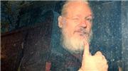 Nhà sáng lập WikiLeaks ra hầu tòa
