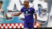 VIDEO: Kompany chưa thành công với Anderlecht trong vai trò cầu thủ kiêm HLV