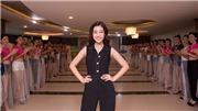 VIDEO Hoa hậu Việt Nam 2018: Đỗ Mỹ Linh bất ngờ xuất hiện, thị phạm catwalk rấtthần thái