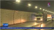 VIDEO: Xung quanh các vết nứt vỏ hầm Hải Vân, khiến nhiều tài xế lo ngại