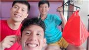 Đức Chinh 'hôn' Xuân Trường trên mạng xã hội